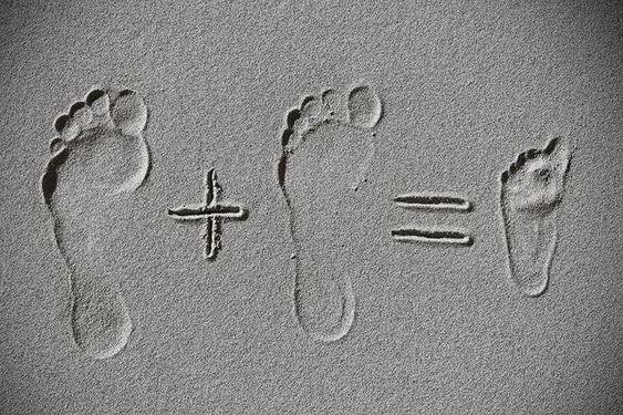 Annoncer sa grossesse sur facebook avec sable