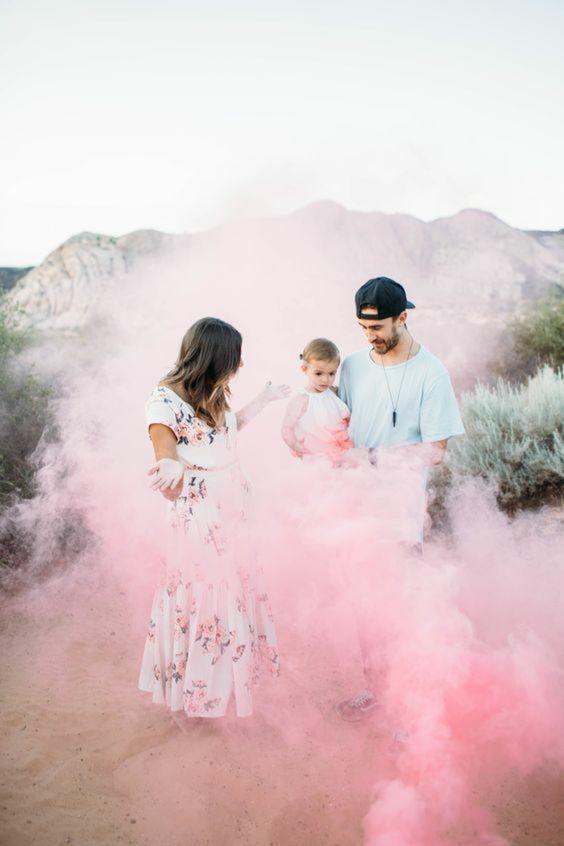 Annoncer le sexe du futur bébé avec sable coloré